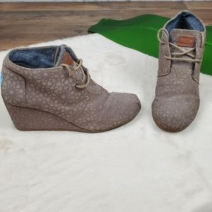 Toms Moroccan (Taupe) Desert Wedge Size 9
